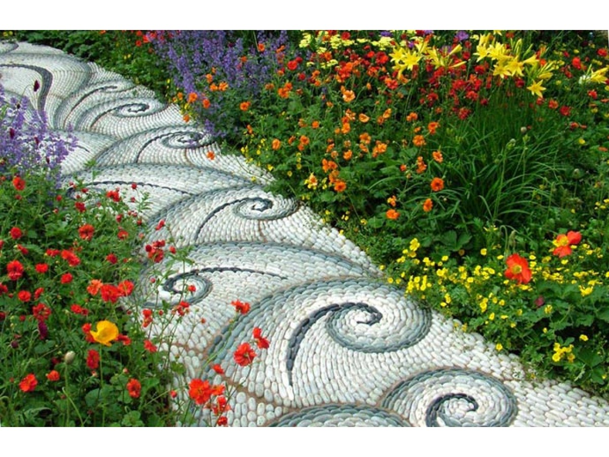 Materials for laying garden paths